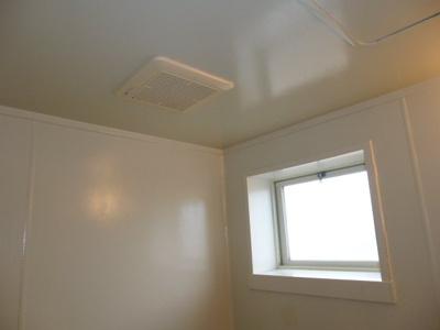 換気窓・浴室換気扇