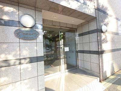 JR京浜東北線・根岸線「関内」駅徒歩4分・「石川町」駅徒歩5分と好立地。 忙しい朝が助かる立地、暮らしにゆとりが生まれます。