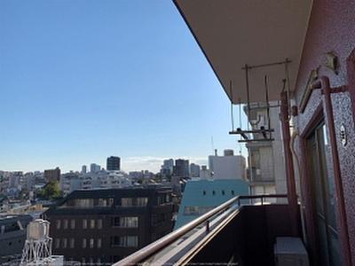 8階建ての最上階につき開放感ある眺望が楽しめます。
