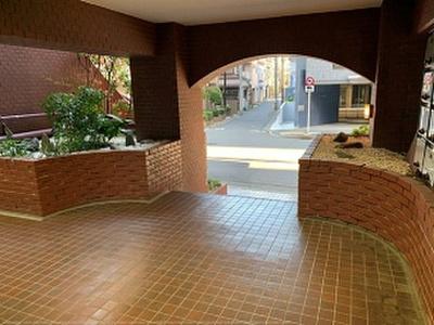 4路線3駅ご利用可能な便利な立地のマンションです。