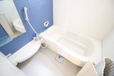 【浴室】カーサフィオーレ奥田西町