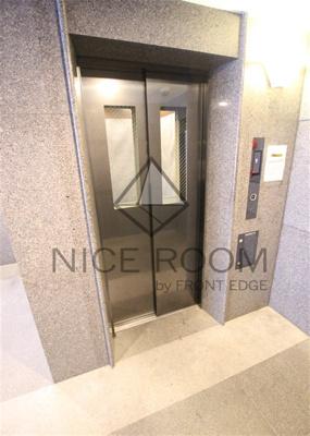 ルーブル神宮前 エレベーター