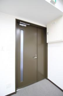 【玄関】ブックローン神戸ビル