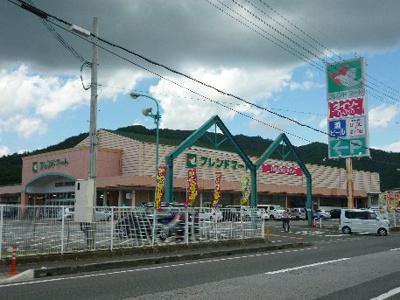 フレンドマート 五個荘店(2033m)