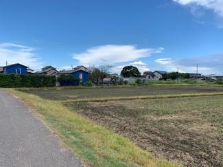 自然豊かな79坪~104坪全5区画。9月3日現在、造成中。コストコ木更津倉庫店まで近くで、別荘地としても良好です。