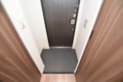 【玄関】ララプレイス難波シエール