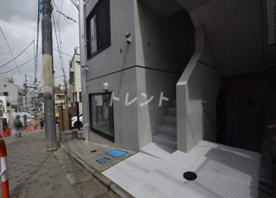 【エントランス】ラシクラス神楽坂