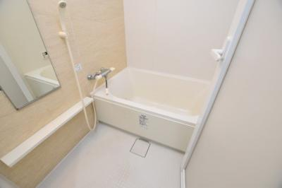 【浴室】ルーエ桜川