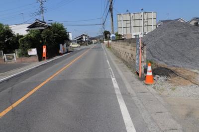 【前面道路含む現地写真】太田市東長岡町売地