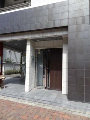 【エントランス】フィオリトゥーラ三軒茶屋ステーションフロント