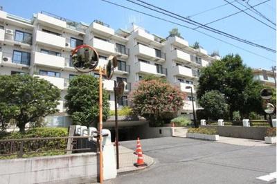 各線「二子玉川」駅徒歩圏内のマンションです。