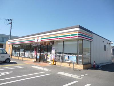 セブンイレブン 愛荘町市店(632m)