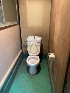 専用トイレ・流し付き!