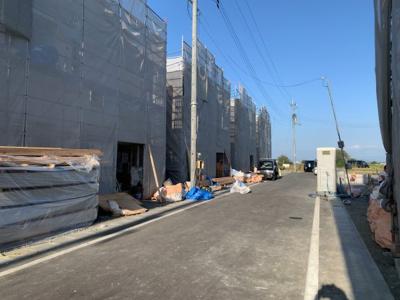 【前面道路含む現地写真】大津市雄琴4丁目4付近 新築戸建