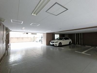 屋内平置き駐車場