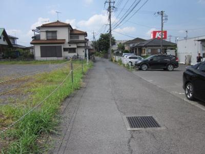 【前面道路含む現地写真】本庄市小島4丁目 3300万 土地
