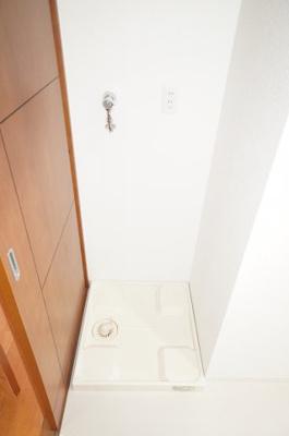 装着が楽なワンタッチ式の給水栓!ドラム式の洗濯機も入るサイズですが、お手持ちのサイズが入るか要確認です!