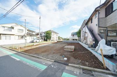 浅間台小学校まで徒歩約10分、宮田中学校まで徒歩約7分。子育て世代にも便利な立地。