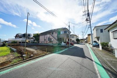 相鉄本線「星川」駅徒歩約10分の立地。