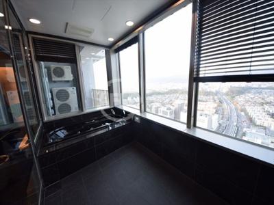シエリアタワー千里中央 お風呂からは景色が一望できます