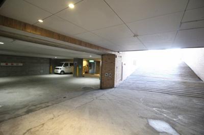 【駐車場】リトルブラザーズ六甲ビル