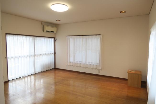 新品未使用の洗髪も出来る独立洗面台です♪