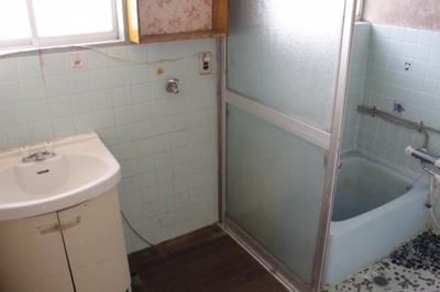 【浴室】坪生町350万円中古戸建