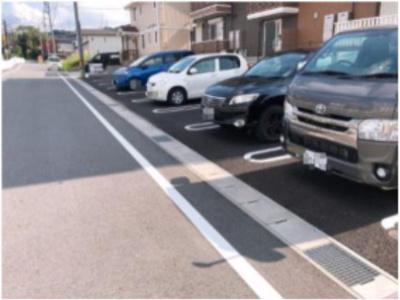 【駐車場】ブリーゼⅢ
