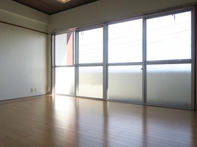 【居間・リビング】タナカマンション