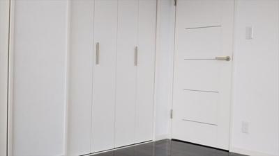 収納付きで、お部屋のスペースを有効的にお使いいただけます。