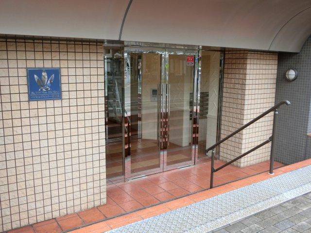 【エントランス】ベイヒルズセンター北駅前