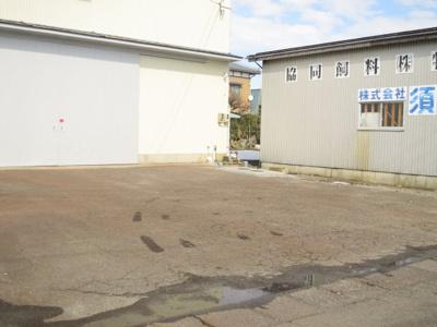 【駐車場】新潟市南区マーケットシティ白根隣接 売倉庫
