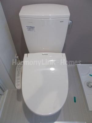 ハーモニーテラス足立Ⅶのゆったりとした空間のトイレです