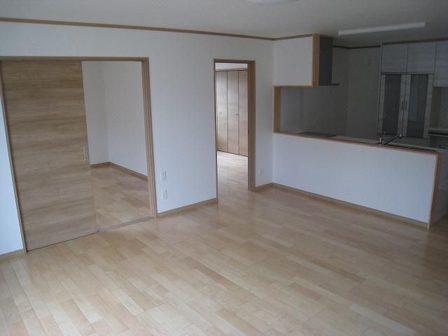 【居間・リビング】北見市西富町3丁目123番32 新築戸建住宅