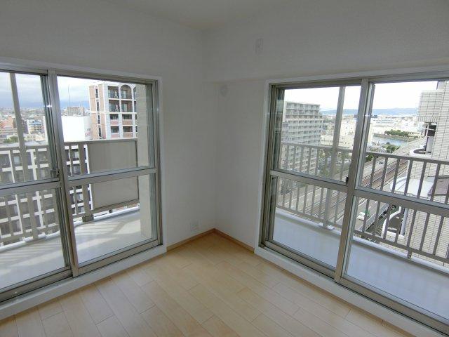 角部屋ならではの日当たりと開放感があります♪ さらに高層階につき通風・眺望も抜群です!