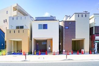 閑静な住宅街に限定3棟の販売! 前面道路が広く、お車の駐車もしやすいです♪