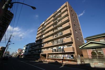鉄筋コンクリート造9階建3階部分です。