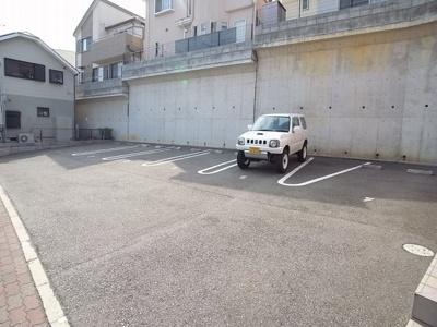 【駐車場】コンフォート小山A