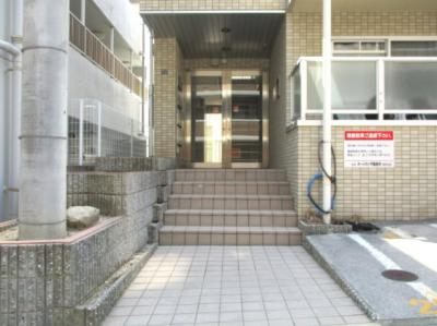 【エントランス】シャトラン弓木五番館
