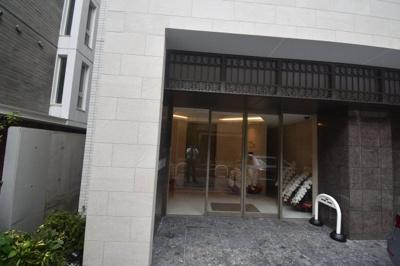 【エントランス】閑静な住宅街にたん誕生した新築物件 カーサ麻布 ル・グラン
