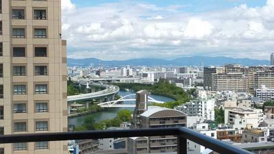 洋室からの眺望です。 上層階につき見晴らし良好です。