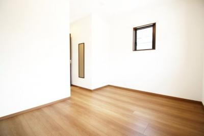 《洋室7帖》こちらのお部屋には《ウォークインクローゼット》があります。