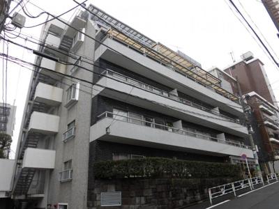 パイン・クレスト 外観です。各線「恵比寿」駅より徒歩約9分の立地です。
