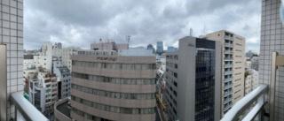 前面に棟が無く開放的な眺望です
