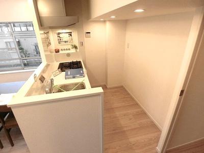 作業スペースもあり使いやすそうなキッチンです。