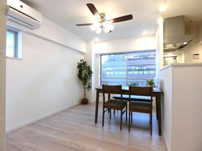リビングにはお部屋を快適に保つエアコン設置済です。