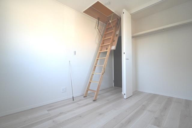 小屋裏収納はしごです。