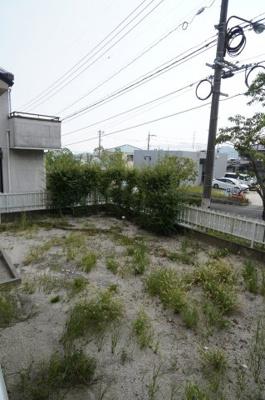 土地の広さが約70坪もあると、庭もそこそこの広さを取れますね。この位あると家庭菜園もできますね!