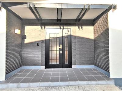 【玄関】能代市中和1丁目・中古住宅 リフォーム済