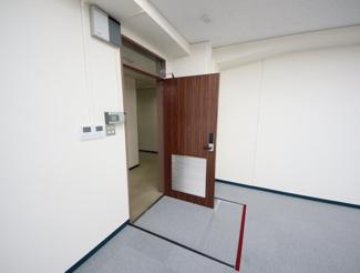 【玄関】東栄ビルディング
